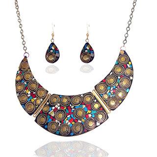 Urthn Glamour Design Necklace Set in Multicolor - 1103314
