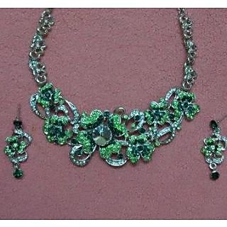 Sanskruti beutifully crafted green necklace set