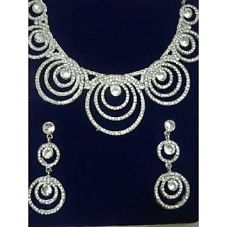 Sanskruti stylish diamond necklace set