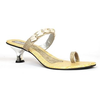2809909f556 Buy Ladies Fancy Sandals Online   ₹550 from ShopClues