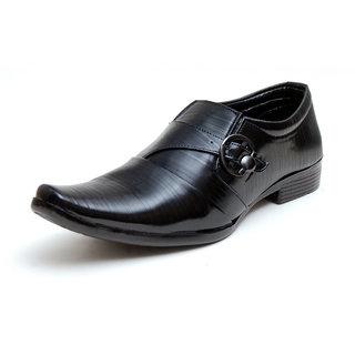 00RA Black With Fine Lining Design & Buckle Slip On Formal Shoes For Men - 81371134
