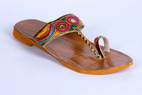Panahi Women's Multicolor Kolhapuri