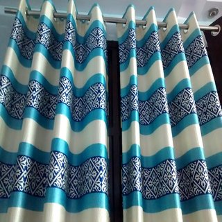 Set of 2 Beautiful printed curtains