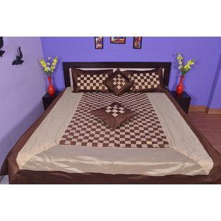 Calypso silk and cotton new look khas design(khajoori silk)Bed cover