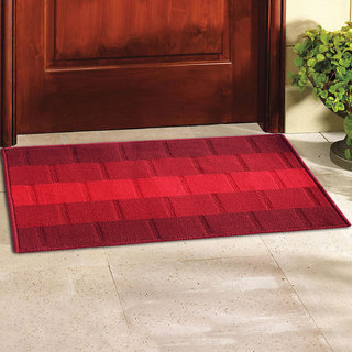 Status Red Polyproplene Door Mats ( 15X22 Inch) set of 1