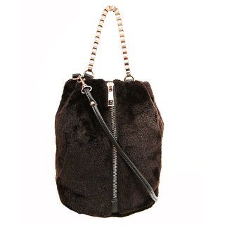 8cb3460773fc6 Buy Sabella Fur with chain detail Sling bag Online   ₹1399 from ShopClues