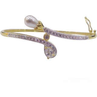 Beautiful gold plated cz diamond openable bracellete