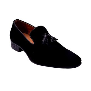 6a0f3d2468f Buy Hirel s Black Suede Leather Tassel Loafers Online - Get 53% Off