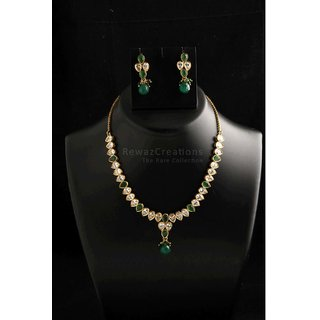Small Kundan Necklace Set With Earrings Green Color Option-1