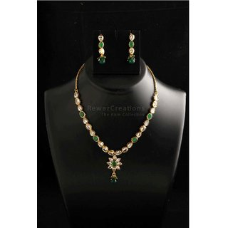 Small Kundan Necklace Set With Earrings Green Color Option-2