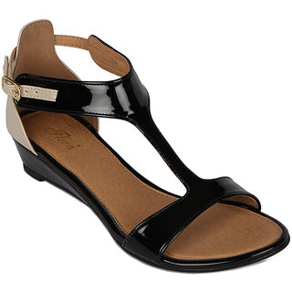 Flora Casual Wear Black Sandal