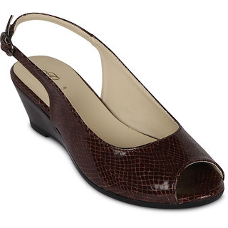 e8bf728490a Buy Flora Casual Wear Brown Wedges Online   ₹999 from ShopClues
