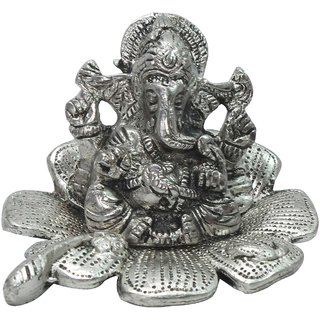 Halowishes Traditional Fool Ganesh Showpiece -180