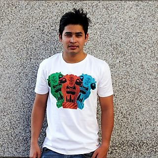THE LIONS OF JUSTICE IN GOND T-shirt