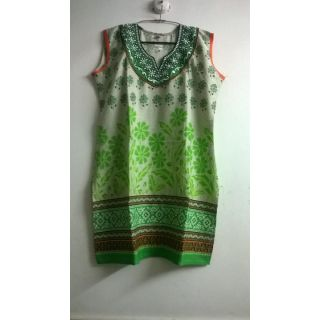 Green print kurta with embroidered neck