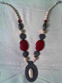 Stylish Necklace in Reasonable Price