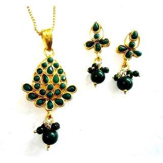Beautiful Emeralds Polki Pendant Set