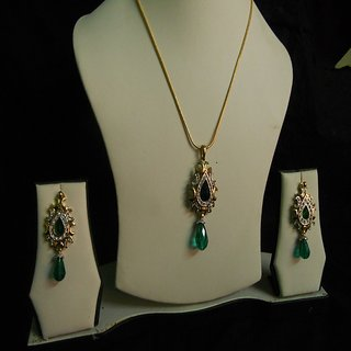 Diaond Set with Dark Green Pearl