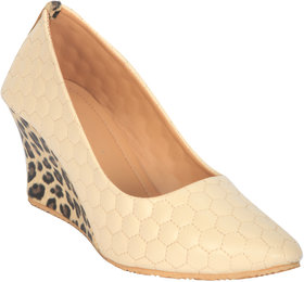 Funku Fashion Women's Beige Heels