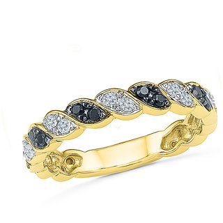 Radiant Bays Black And White Knot Ring in 18k Yellow Gold (Diamond Quality VS-GH)