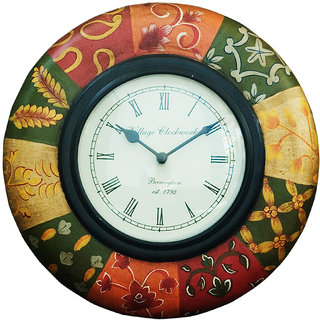 Intricate traditional design wall clock buy intricate for Traditional wall clocks india