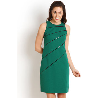 Soie Green Sleeveless Solid A-line / Shift Dress