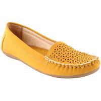 Shoe island Women's Yellow Smart Casuals Shoes