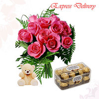 Complete gifts with pink roses and rocher