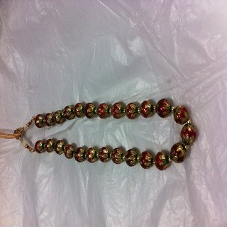 It is beautiful necklace set with earings at low price