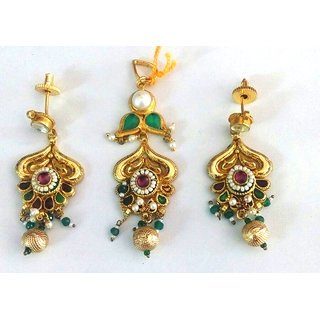 Meenu High Gold Plated  Antique Kundan Pendent Set - SS044