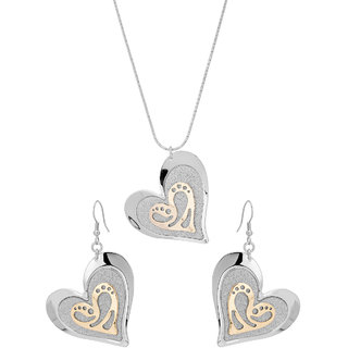 Adorable Heart Shaped Metallic Pendant Set