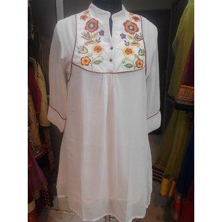 Mesmerizing Casual/Club Wear Georgate White Colored Kurti