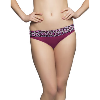 Clovia Brief In Pink With Lace