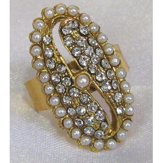 Oval shape Pearl and Stone Ring