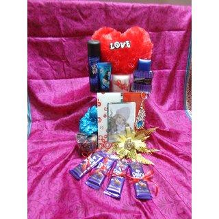 Buy Valentine Gift Hamper For Him Online Get 0 Off