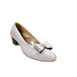 Mas Women 3022 White Closed Shoes