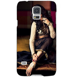 Absinthe Bollywood Superstar Nargis Fakhri Back Cover Case For Samsung Galaxy S5