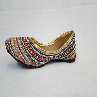 Women's Multicolor Mojari