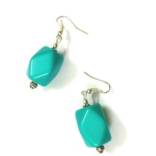Kandorabox! Sea green and silver color beautiful earrings