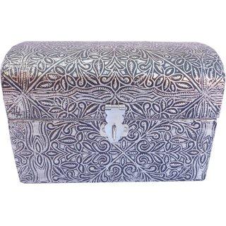 Gizmo Weighing Stylish Silver Jwellery Box