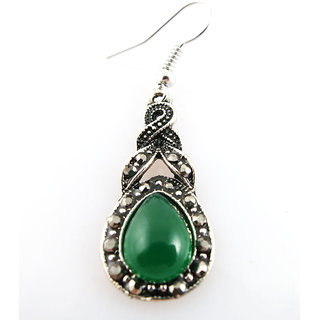 Chamakdamak Twisted earrings with green pear