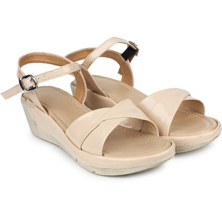 64abcd87fb7 Buy Do Bhai Women s Cream Sandals Online   ₹499 from ShopClues