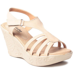 MSCR Women's Cream Wedges