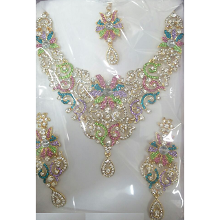 Designer Necklace With Earing And Mangtika