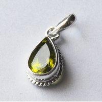 Beautiful Natural Stunning 5.5 Ratti Pear Shape Green Peridot 925 Sterling Silver Pendant