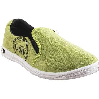 U  V Green Lifestyle Shoes
