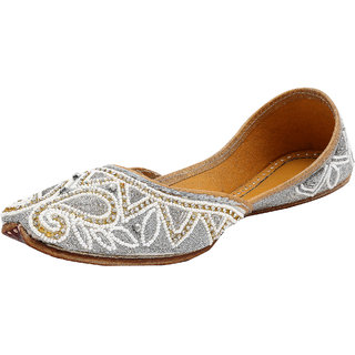 9da249f8ab4eec Women Handcrafted Sequin beads Embellished and Embroidered Juttis