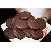 20 Pieces HomeMade Nilgiris Chocolate Biscuits With Dryfruits Toppings, 100% Veg
