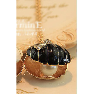 Special Design Pearl Bowknot Embellished NecklaceBLACK.GLITZY BY ROOHIE