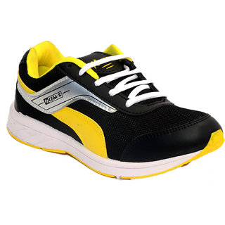 Xpert Cega2 Men Black, Yellow Sports Shoes